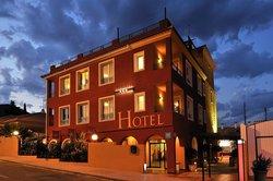 Atrium Hotel & Restaurant