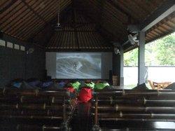 Jungut Batu Theatre Restaurant
