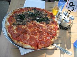 Pete's New Haven Style Apizza