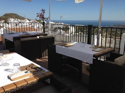 OSHUN Gastronomy Lounge