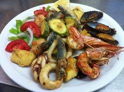 Pieros Restaurant - Bar