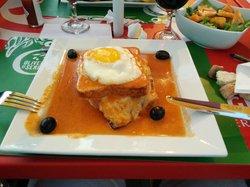 Porto Novo Restaurante Bar & Grill