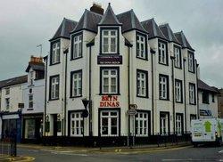Bryn Dinas Hotel
