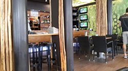 Racket Bar