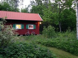 Exterior cottage and bike