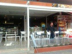 Demlik Bistro Cafe