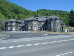 Oakeley Arms Hotel