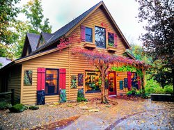 Plum Bottom Pottery & Gallery