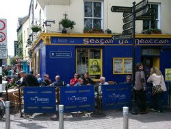 Naughton's Pub (Tigh Neachtain)