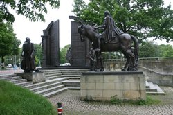 Monument Gottingen Sieben