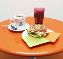 Frooteria Juice & Bagels