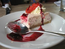 Picture of raspberry cheesecake at Prince Leopold Pub.  Picture  by Ed Pascoe   Senior Reviewer