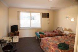 Auski Inland Motel