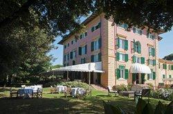 Augustus Hotel & Resort
