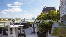 Ameron Hotel Koenigshof Terrasse