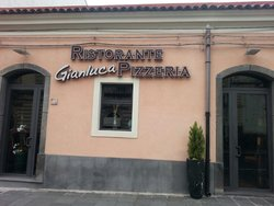 Gianluca's Restaurant and Pizzeria