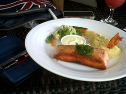 salmon grill with mes potatoes