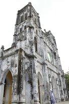 Nhà thờ cổ kính mang phong cách gothic Châu Âu