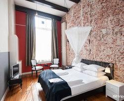Mauro Mansion