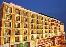 Intimate Hotel