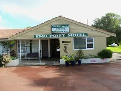 Emu Point Motel & Apartments