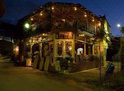 Zorbas Local Taverna & Pizzeria