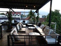 绿洲屋顶花园酒吧