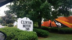 ‪Clinton Motor Inn‬