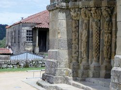 Mosteiro De Bravaes