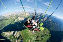 Flyzone Gleitschirm Tandemfliegen mit Profis