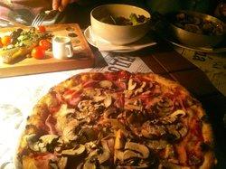 Radost - Pizza Cabaret & Disco Grill