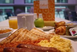 Continental breakfast & 3 hot options included on all rates.