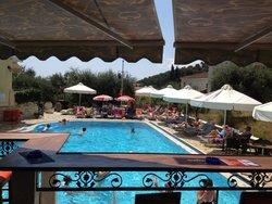 Elia Pool Bar