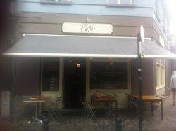 Cafe Pom