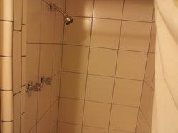 nice big shower, good pressure, plenty of hot water