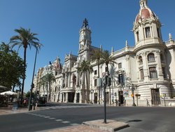 Plaza del Ayuntamiento à côté de l'hôtel