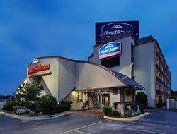 Howard Johnson Express Inn - Arlington Ballpark / Six Flags