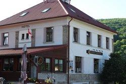 Restaurace Penzion Karlstejn