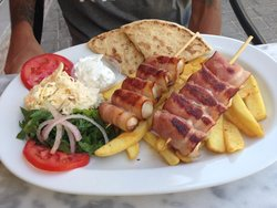 Manolis Grill House