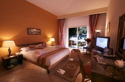 Swiss Inn Pyramids Golf Resort & Swiss Inn Plaza