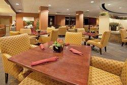 Phoenix Hotel & Suites