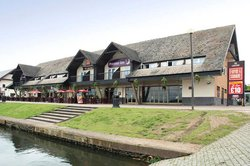Premier Inn Milton Keynes East (Willen Lake) Hotel