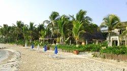 Villa Kiin Beach entrance
