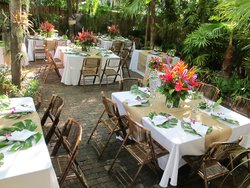 Old Town Manor hosts many Key West wedding in it's shaded courtyard.