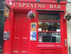 ‪Captains Bar‬