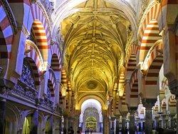 كاتدرائية وجامع قرطبة (مسجد قرطبة)