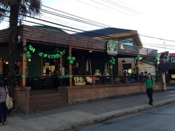 Clover Irish Pub