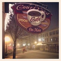 ‪Courtyard Cafe' on Main‬
