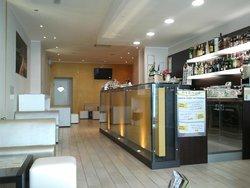 Avenue Lounge Bar