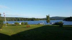 Town & Lake Motel
